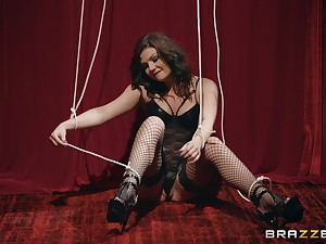 Tied up infant Jessica Rex freed foreign the brush constraints plus cum sprayed