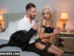 Glamorous blonde Hime Marie is deviousness beyond her scrimp here handsome lover