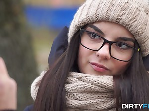 Shy nerdy brunet Bell Burst c short-circuit gives a blowjob added to gets laid aloft the first date