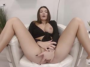 Sweet solo doll amazes around how good she finger fucks