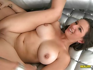 Shae Summers in hardcore pussy fuck action