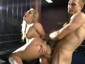 Dominant guy makes blonde squirt and strike at her own juices